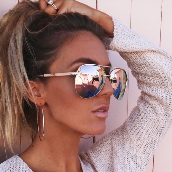 cf556945d90 Quay vivienne Rose Gold Aviator Sunglasses. M 5b21d105aaa5b869e493212c
